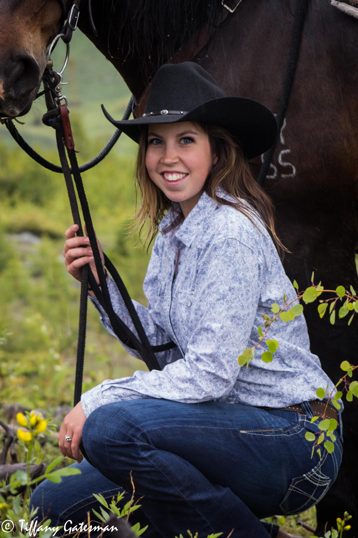 senior horse portrait - cowgirl