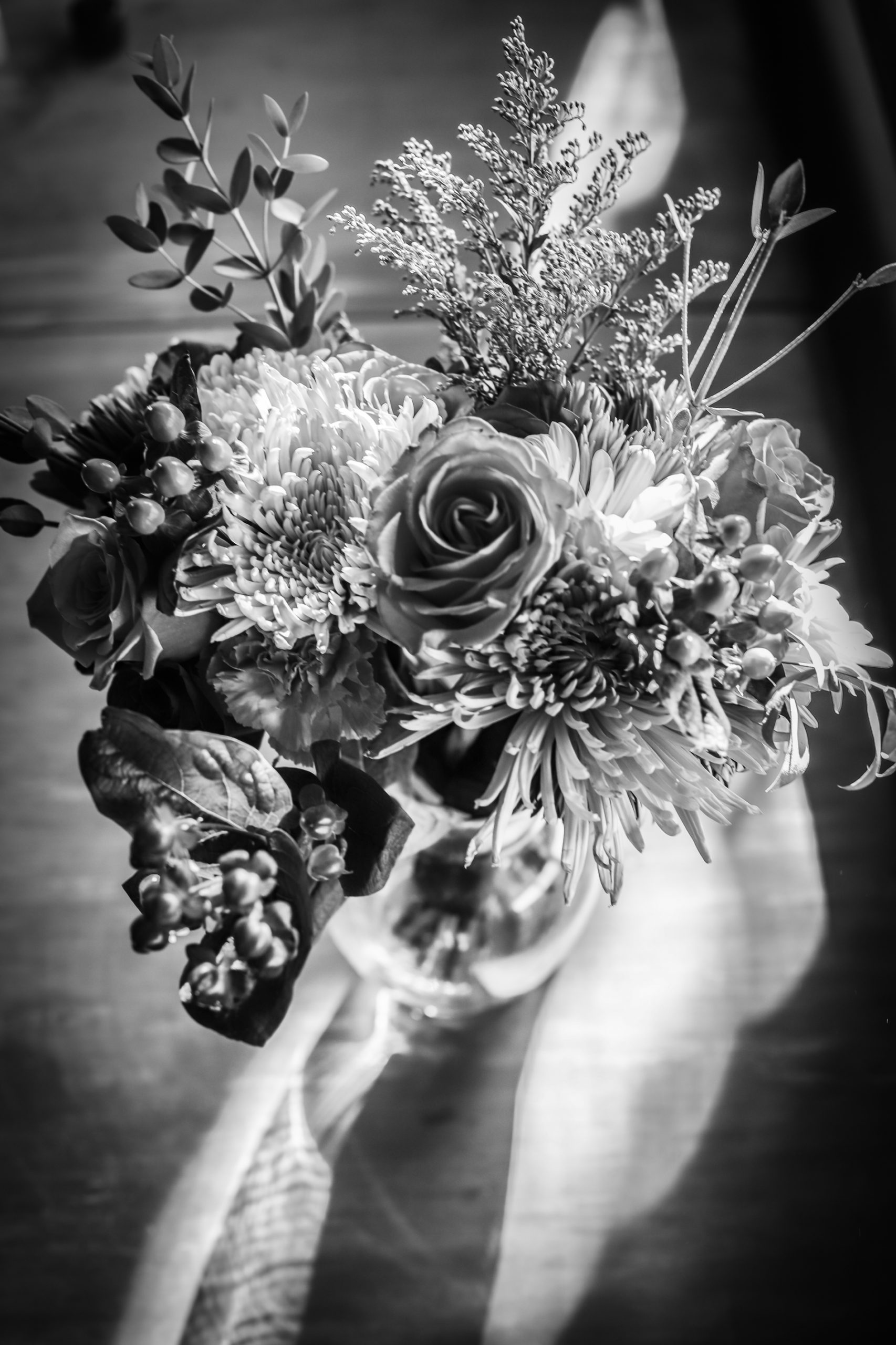 wedding flowers black and white